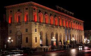 verona-the-gran-guardia-illuminated-in-red-2011