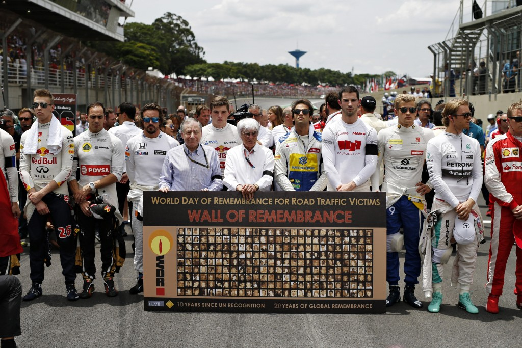 WDR | Wall of Remembrance | - UN Special Envoy Jeand Todt of Road Safety, 1 minute Silence at F1 Brazil Grand Prix (15 November 2015) #WDR2015